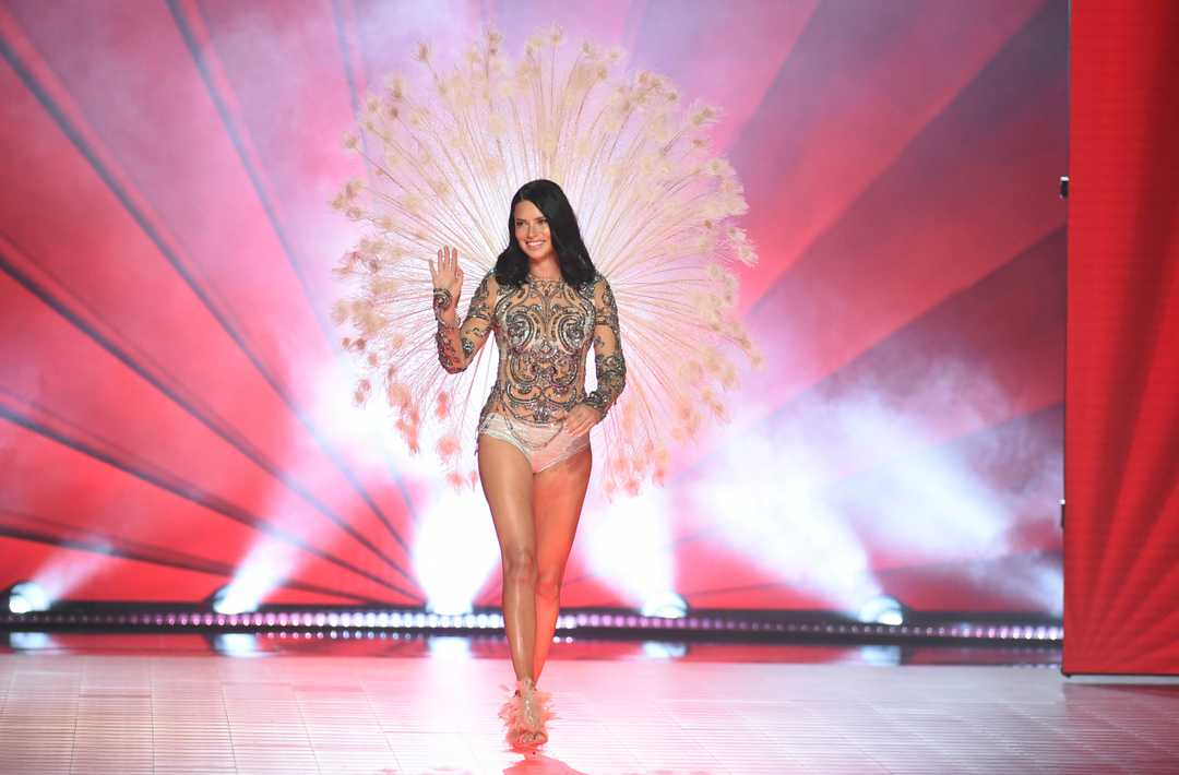 Adriana Lima on the runway for Victoria's Secret 2018, her last ever Fashion Show for the brand