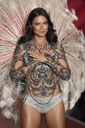 Adriana Lima on the runway in her last show for Victoria's Secret in 2018 Looking emotional